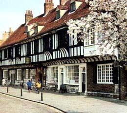 La scuola si trova vicino al centro storico di York nel Regno Unito